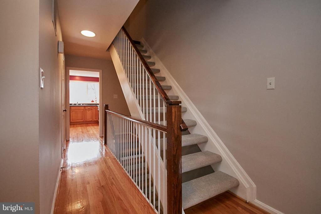 Stairs Up - New Carpet - 2158 GOLF COURSE DR, RESTON