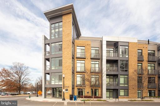 525 WATER ST SW #205
