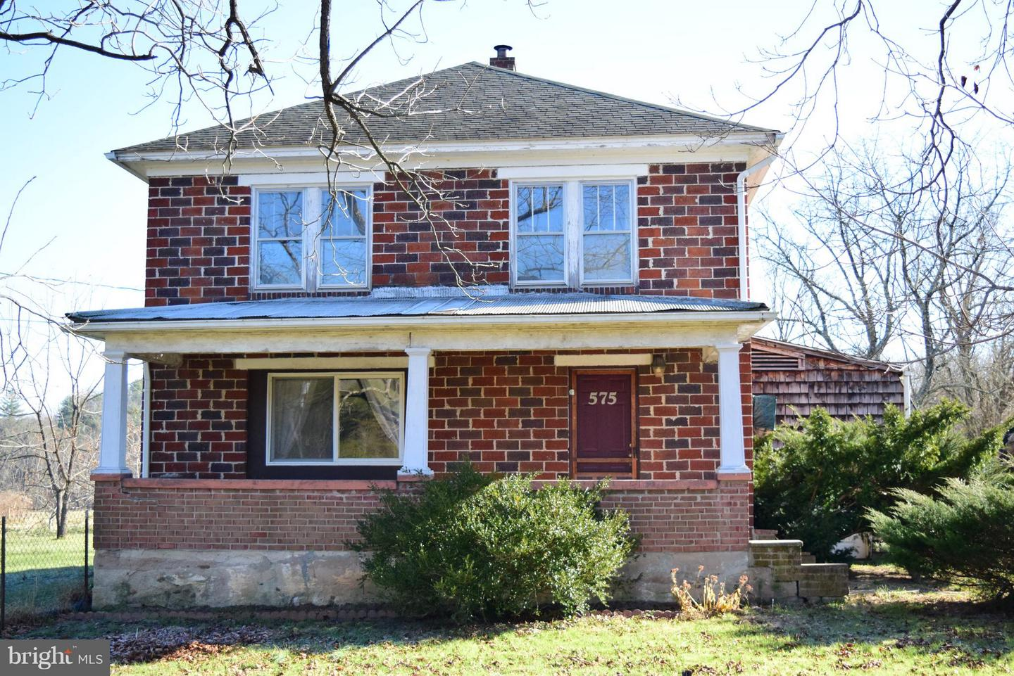 Single Family for Sale at 575 Collier Lane Berkeley Springs, West Virginia 25411 United States
