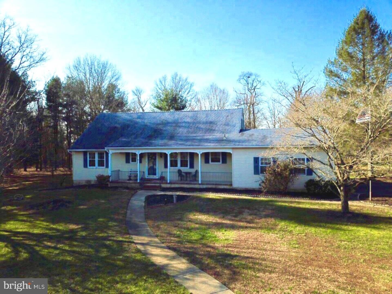 Частный односемейный дом для того Продажа на 8 LAUREN Court Mansfield Township, Нью-Джерси 08022 Соединенные Штаты