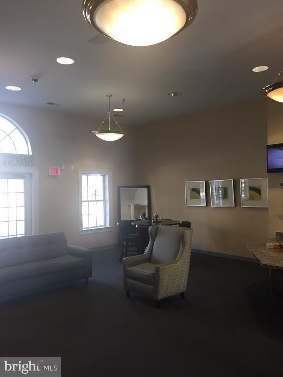 Community Center Lounge Area - 3030 IRMA CT, SUITLAND
