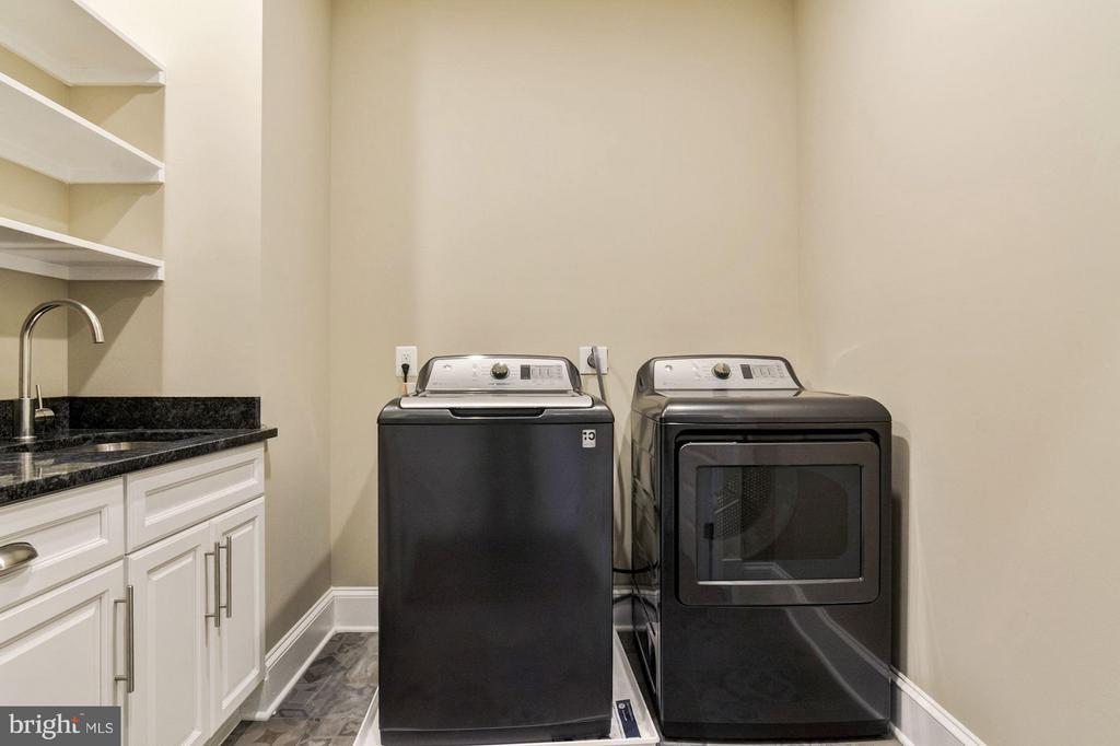 Upstairs laundry room - 5601 WILLIAMSBURG BLVD, ARLINGTON