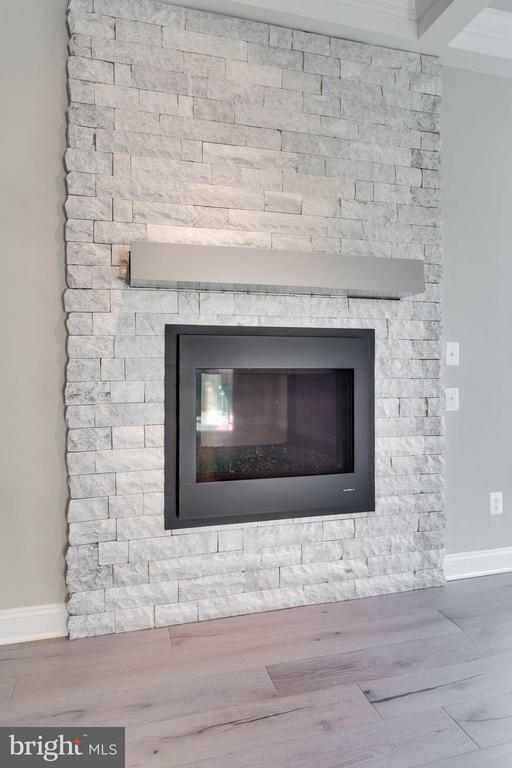 Optional modern fireplace - 11701 VALLEY RD, FAIRFAX
