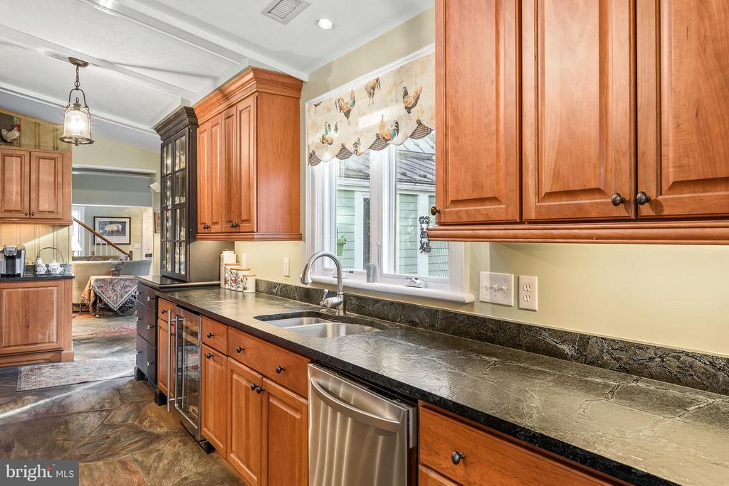Kitcheb - 18483 SILCOTT SPRINGS RD, PURCELLVILLE
