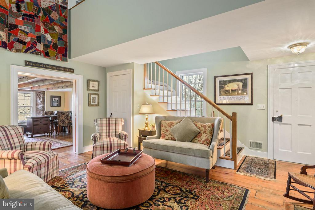 Sitting Room looking into the office - 18483 SILCOTT SPRINGS RD, PURCELLVILLE