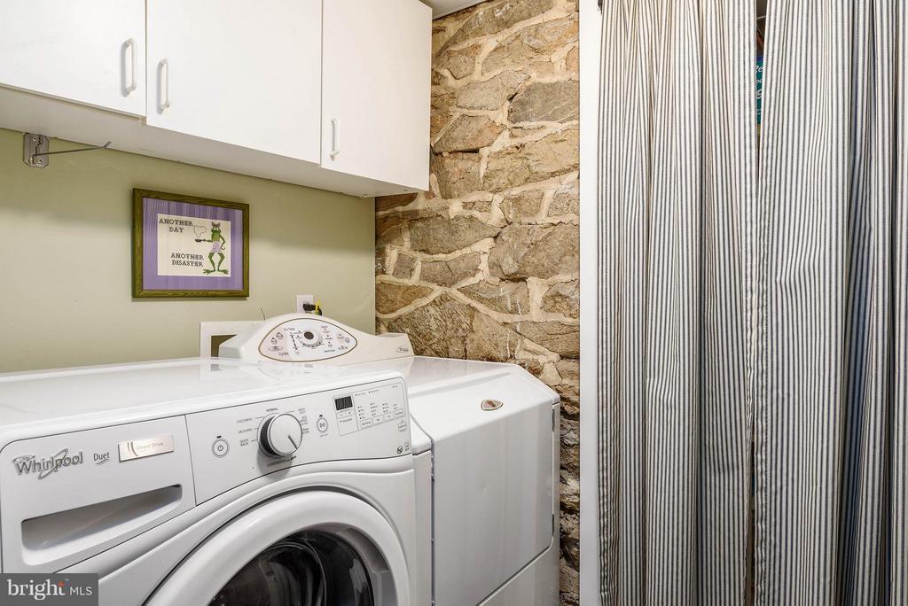 Laundry - 18483 SILCOTT SPRINGS RD, PURCELLVILLE