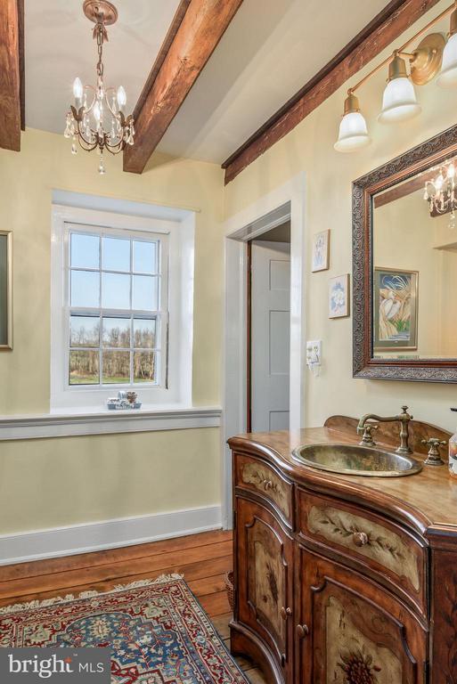 Bathroom - 18483 SILCOTT SPRINGS RD, PURCELLVILLE