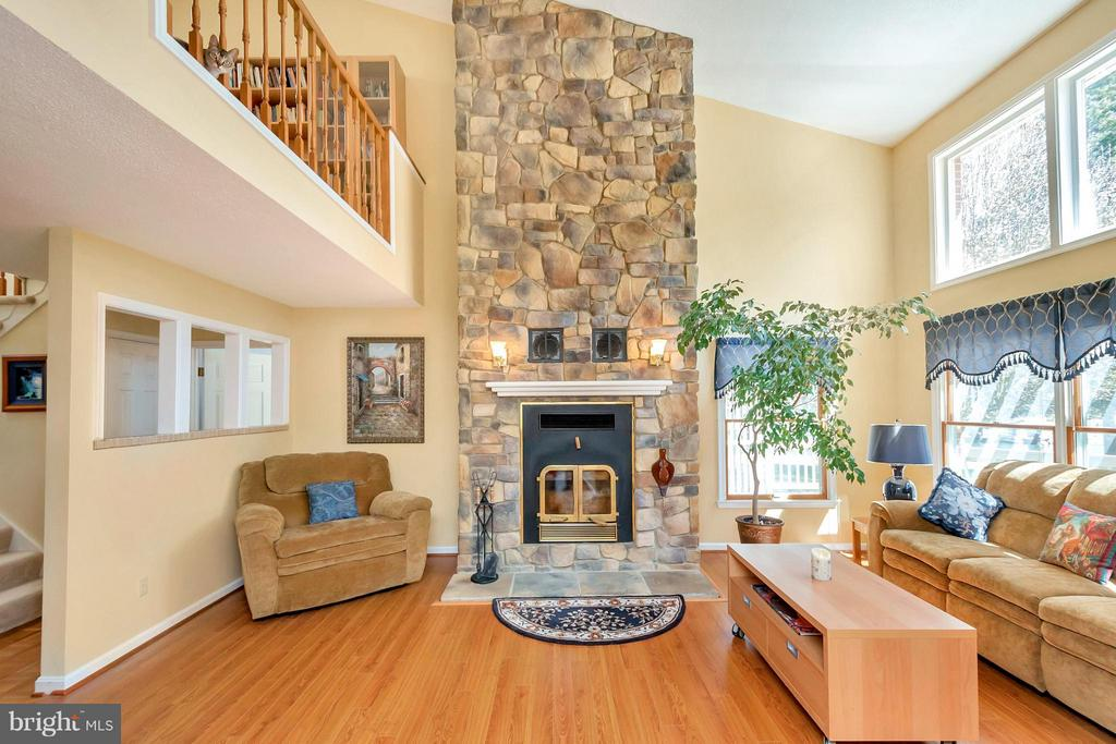 Family Room - 1351 LAKEVIEW PKWY, LOCUST GROVE