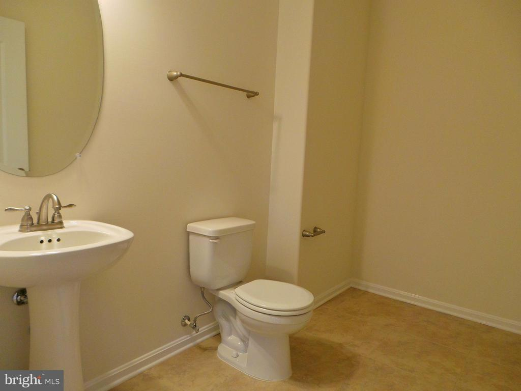 Main Level Half Bath - 315 MOUNT HOPE CHURCH RD, STAFFORD