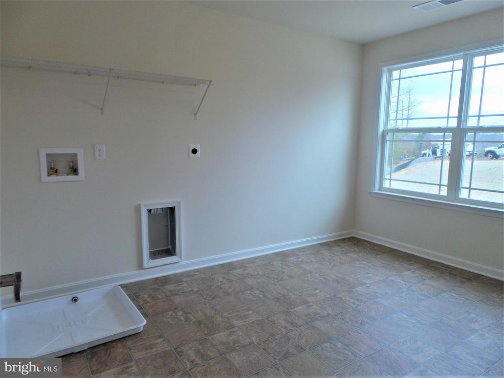 Extra Large Laundry Room Upper Level - 315 MOUNT HOPE CHURCH RD, STAFFORD