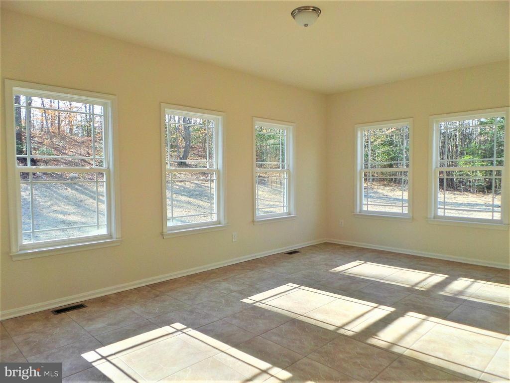 Sunroom - 231 MOUNT HOPE CHURCH RD, STAFFORD