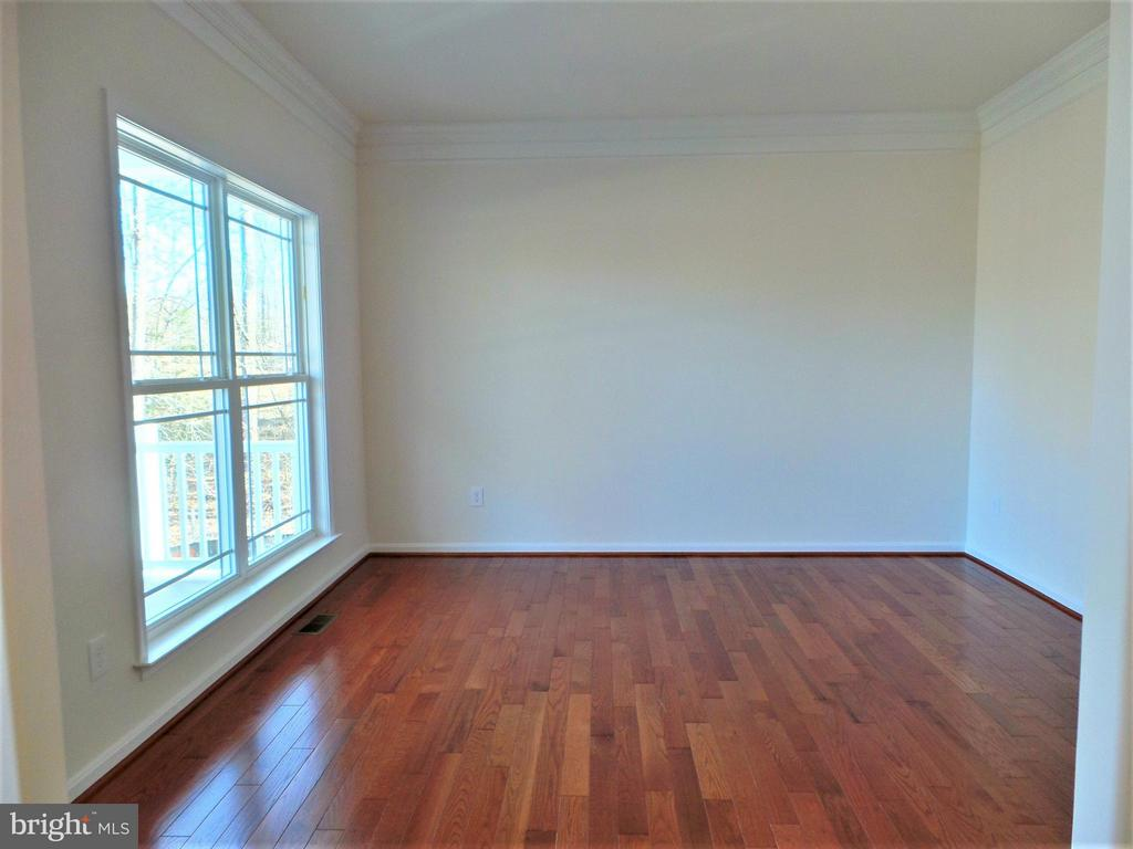 Gleaming Hardwood Floors - 231 MOUNT HOPE CHURCH RD, STAFFORD