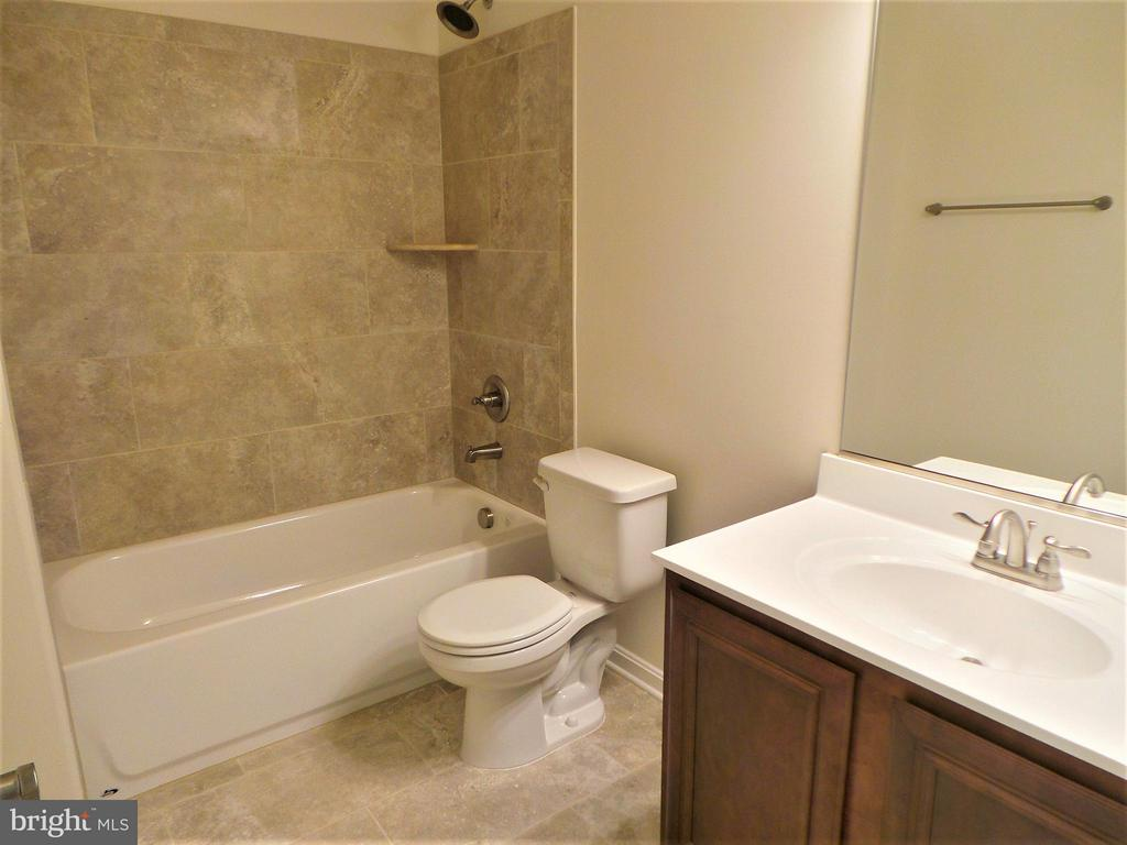 Full Bathroom in Basement - 231 MOUNT HOPE CHURCH RD, STAFFORD