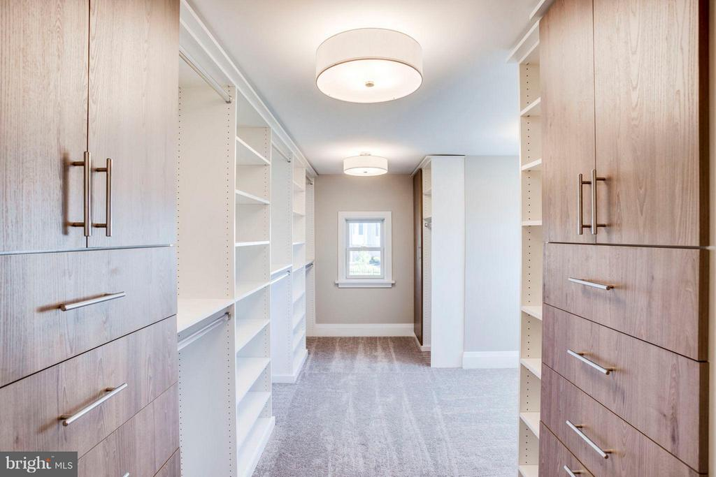 Optional built-ins for your huge  walk-in closet - 11701 VALLEY RD, FAIRFAX