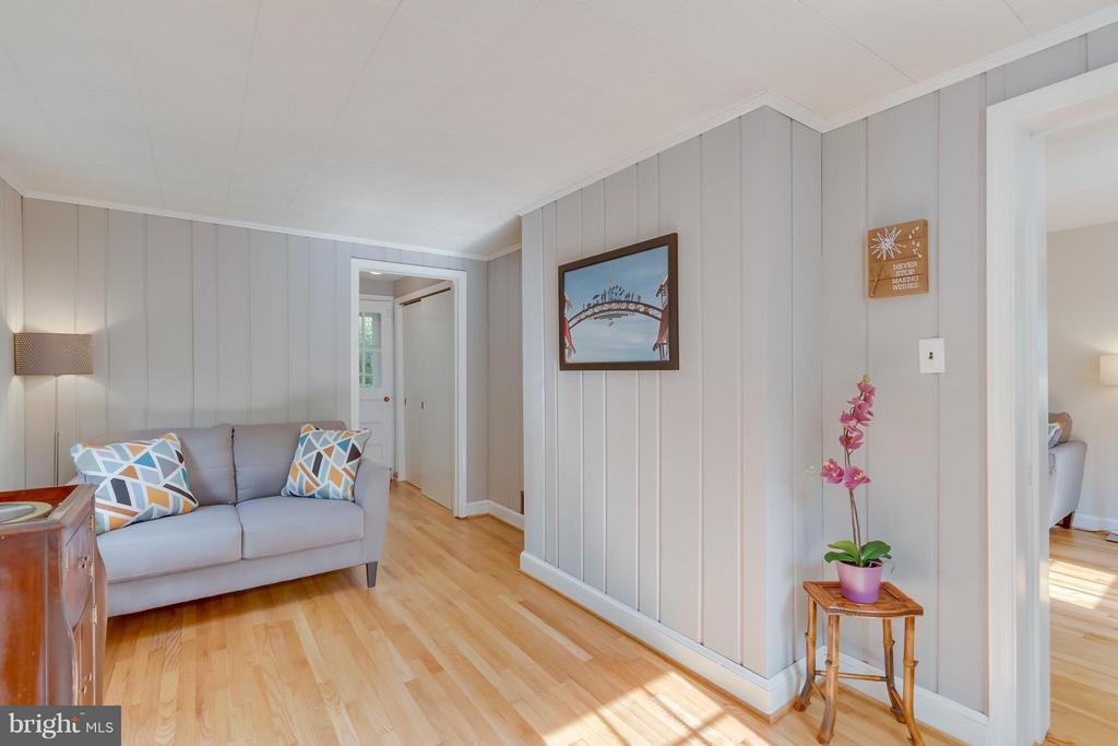 Office/den/playroom/5th legal bedroom - 233 WHITMOOR TER, SILVER SPRING