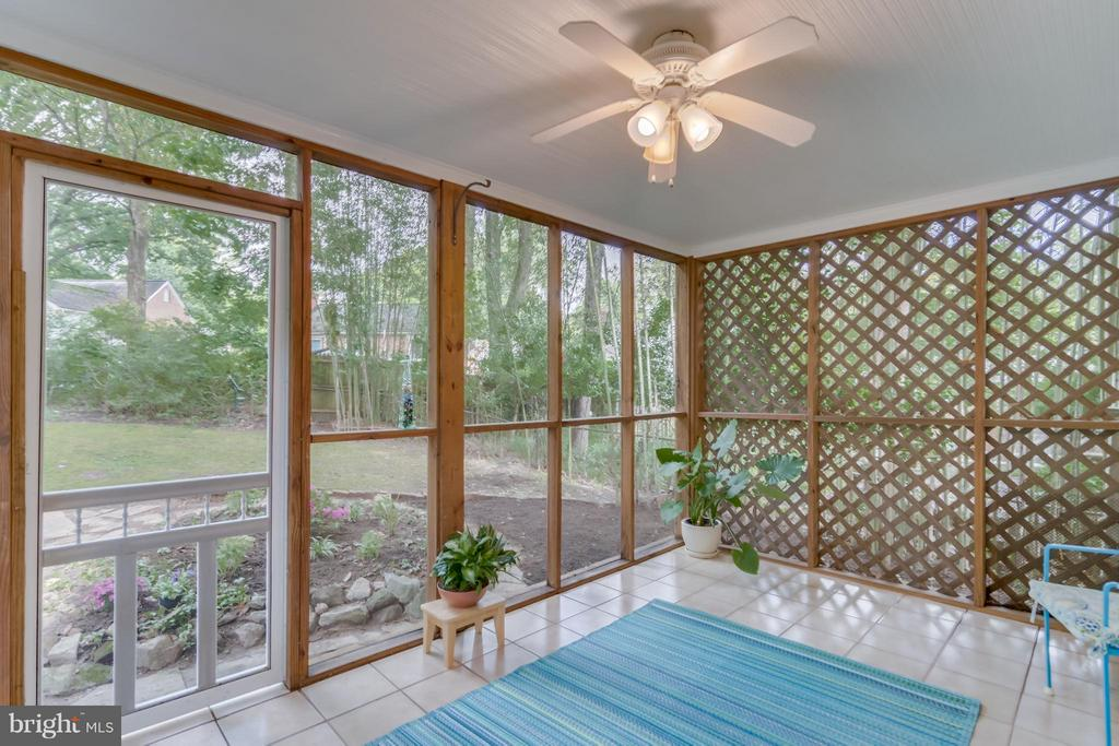 Screened in porch is perfect for dining, relaxing - 233 WHITMOOR TER, SILVER SPRING