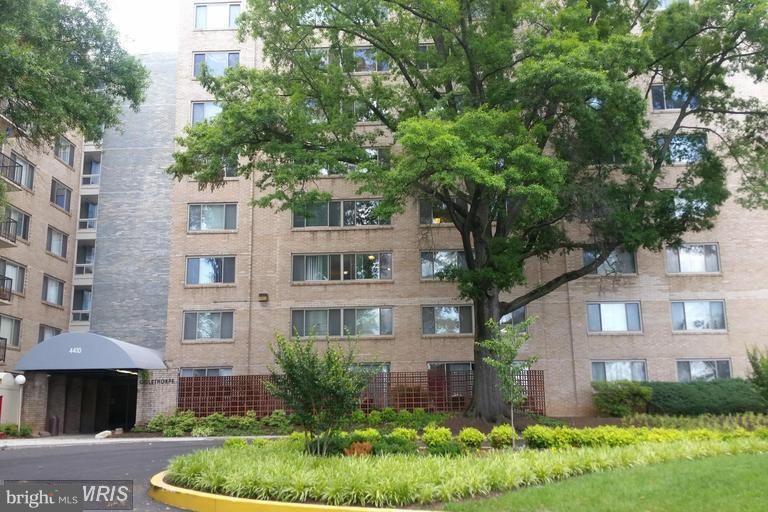 Exterior front of building - 4410 OGLETHORPE ST #313, HYATTSVILLE