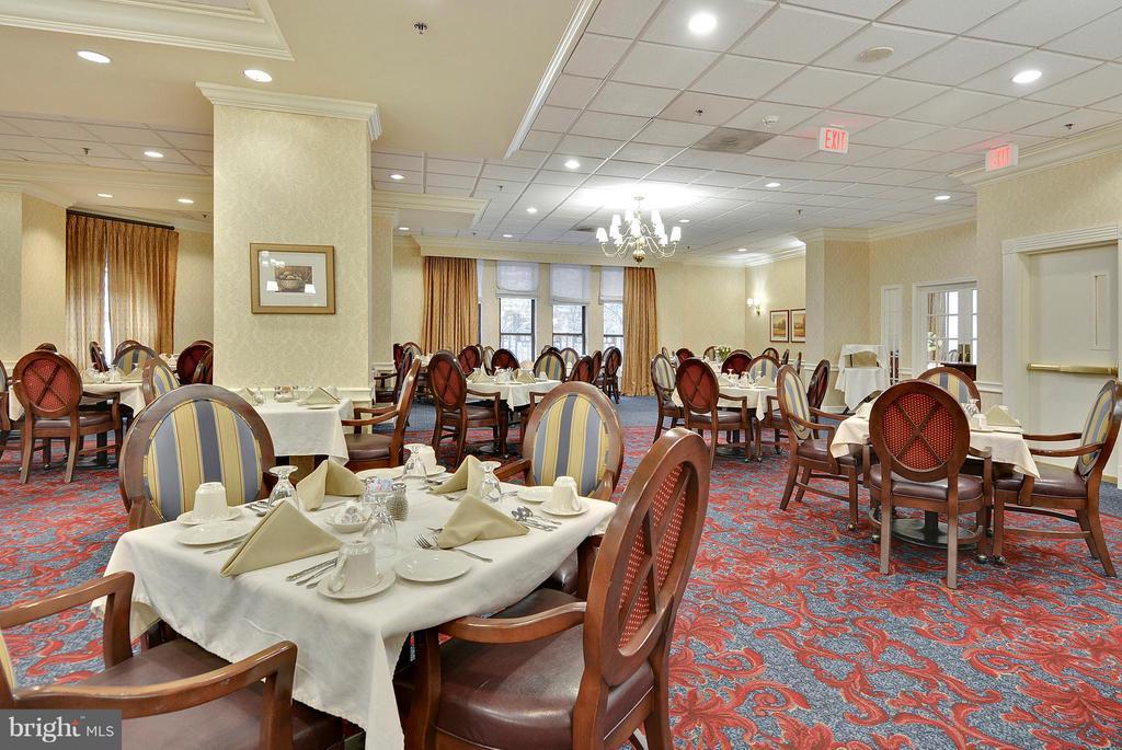 Community dining room - 900 N TAYLOR ST #2009, ARLINGTON