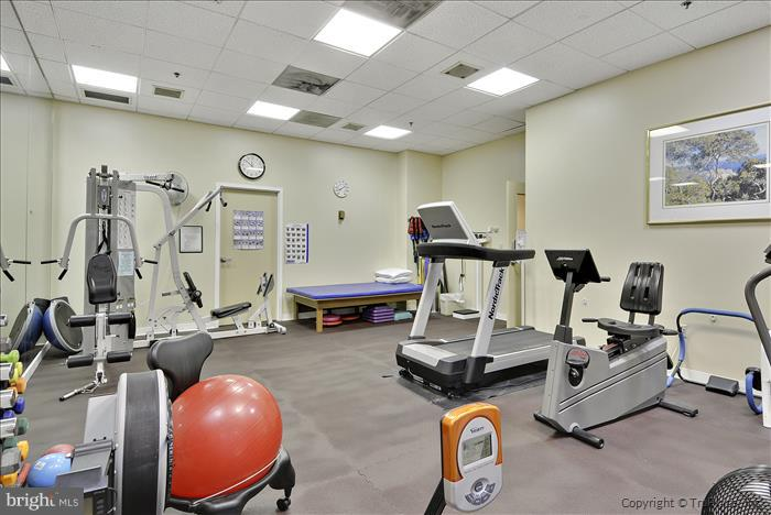 Community fitness center - 900 N TAYLOR ST #2009, ARLINGTON