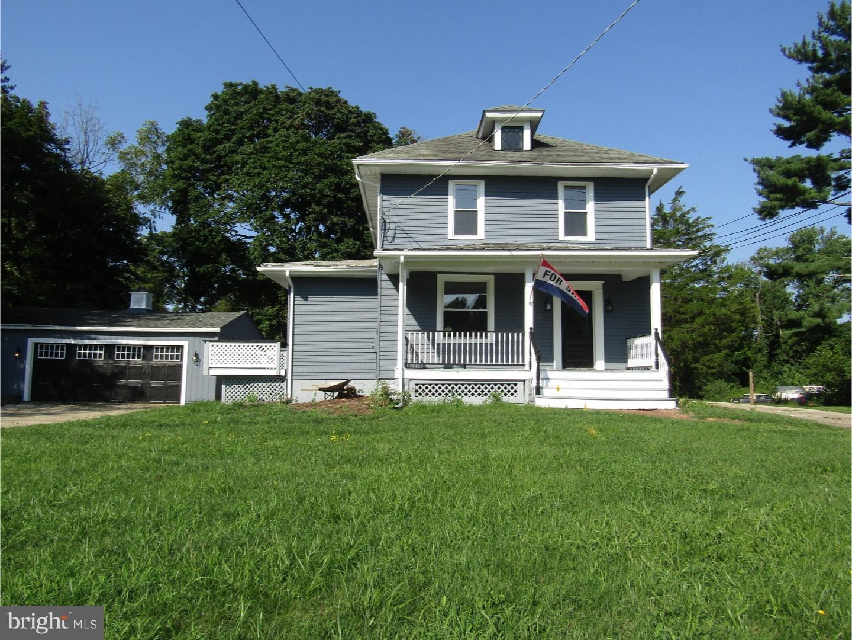 Nhà ở một gia đình vì Bán tại 230 N WOODBURY Road Pitman, New Jersey 08071 Hoa Kỳ