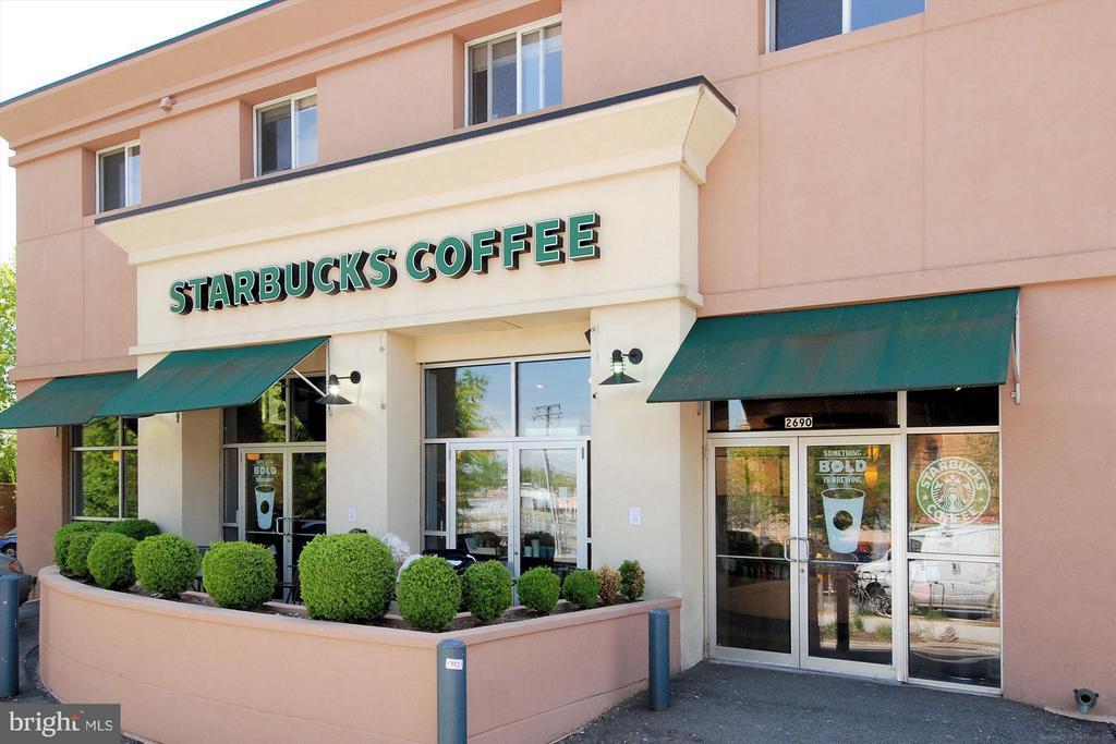 Close to Starbucks - 1021 N GARFIELD ST #B28, ARLINGTON