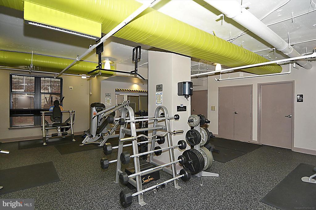 Large gym on B1 level - 1021 N GARFIELD ST #B28, ARLINGTON