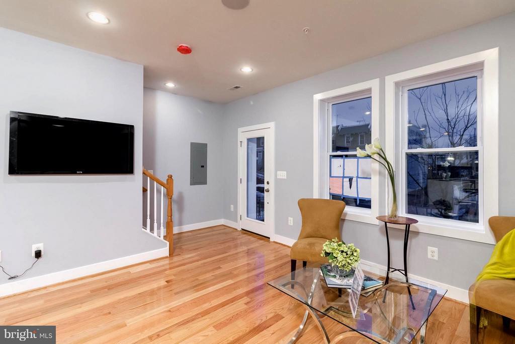 Creatively Defined Space Living Room - 225 BRYANT ST NE, WASHINGTON