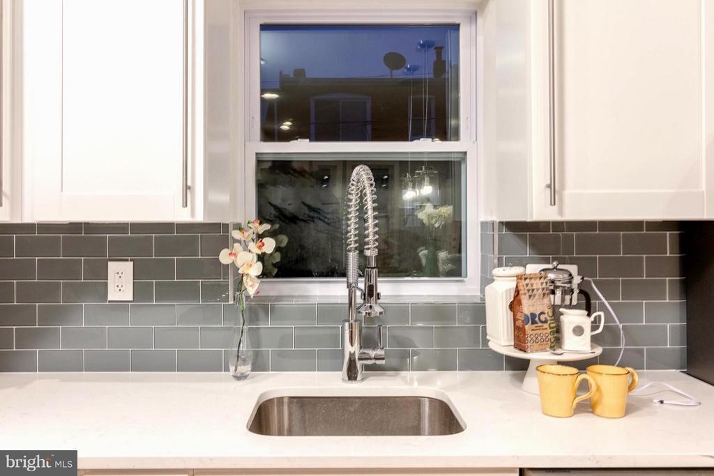 Extra Dash of Style in this Kitchen - 225 BRYANT ST NE, WASHINGTON