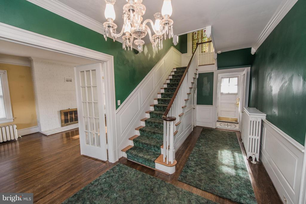 Interior Foyer And Staircase - 909 W KING ST, MARTINSBURG
