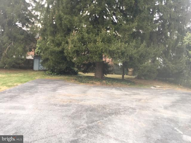 Additional 4 Car Parking Area - 909 W KING ST, MARTINSBURG
