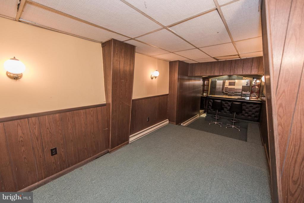 Basement Bar And Entertainment Area - 909 W KING ST, MARTINSBURG