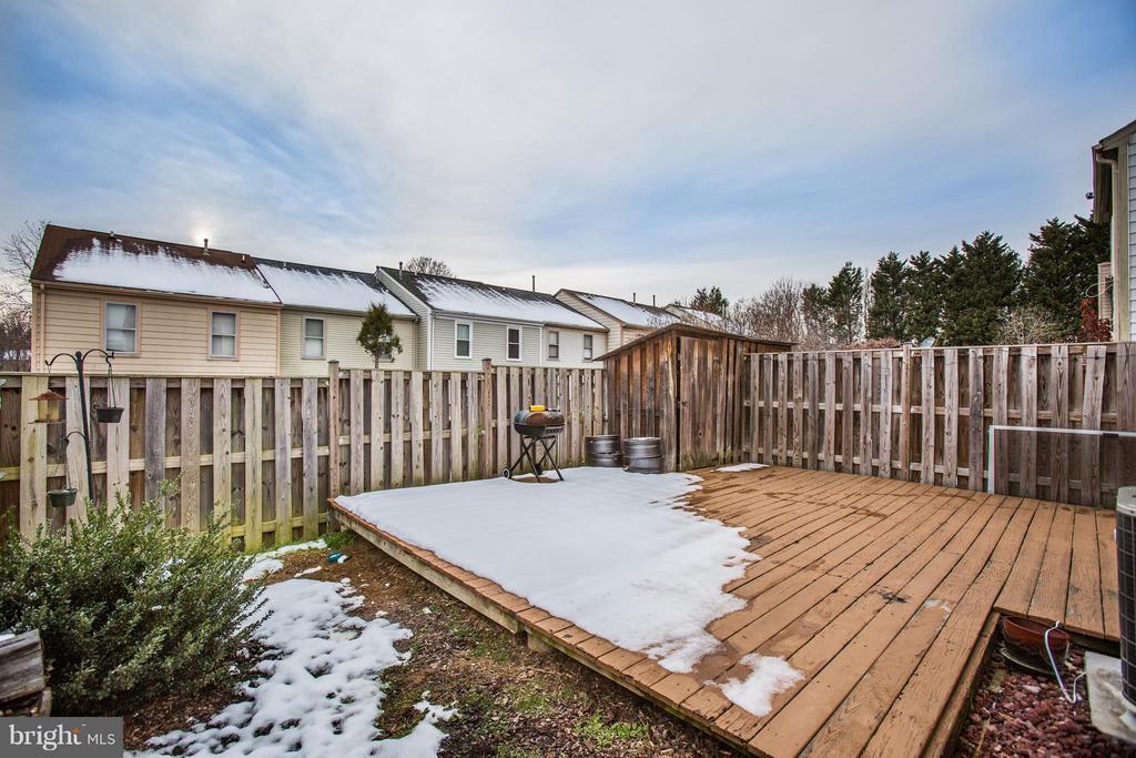Fenced back yard - 10600 GRETA LYNN CT, FREDERICKSBURG