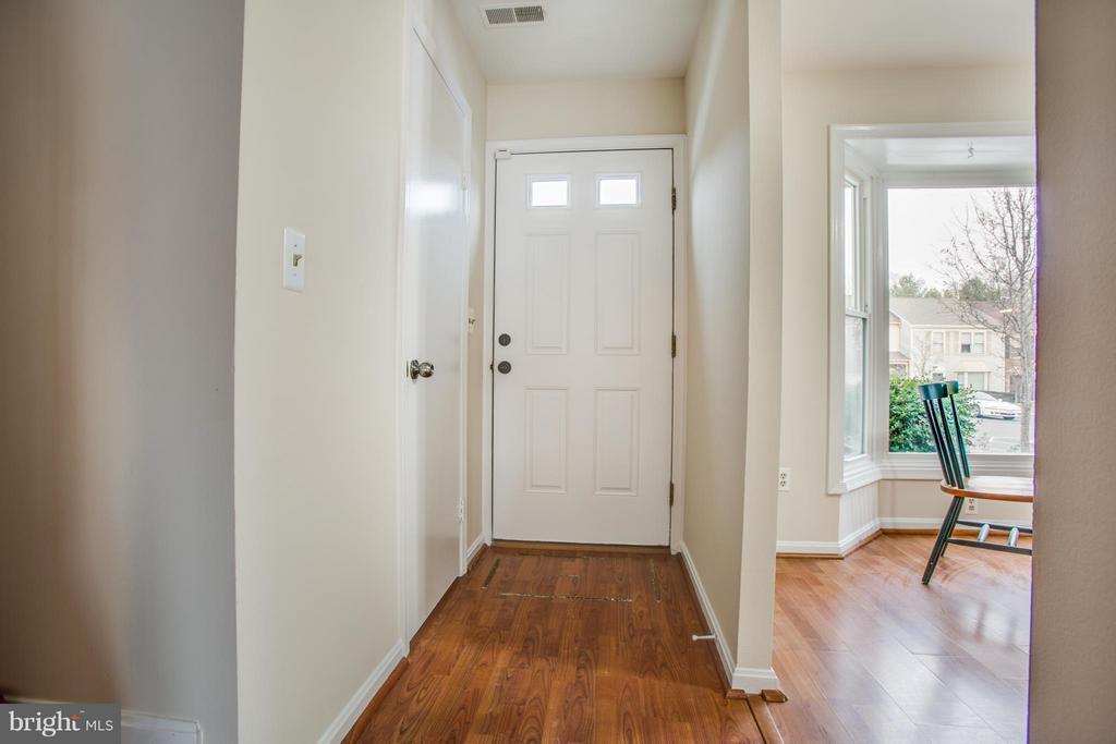 Entry foyer - 10600 GRETA LYNN CT, FREDERICKSBURG