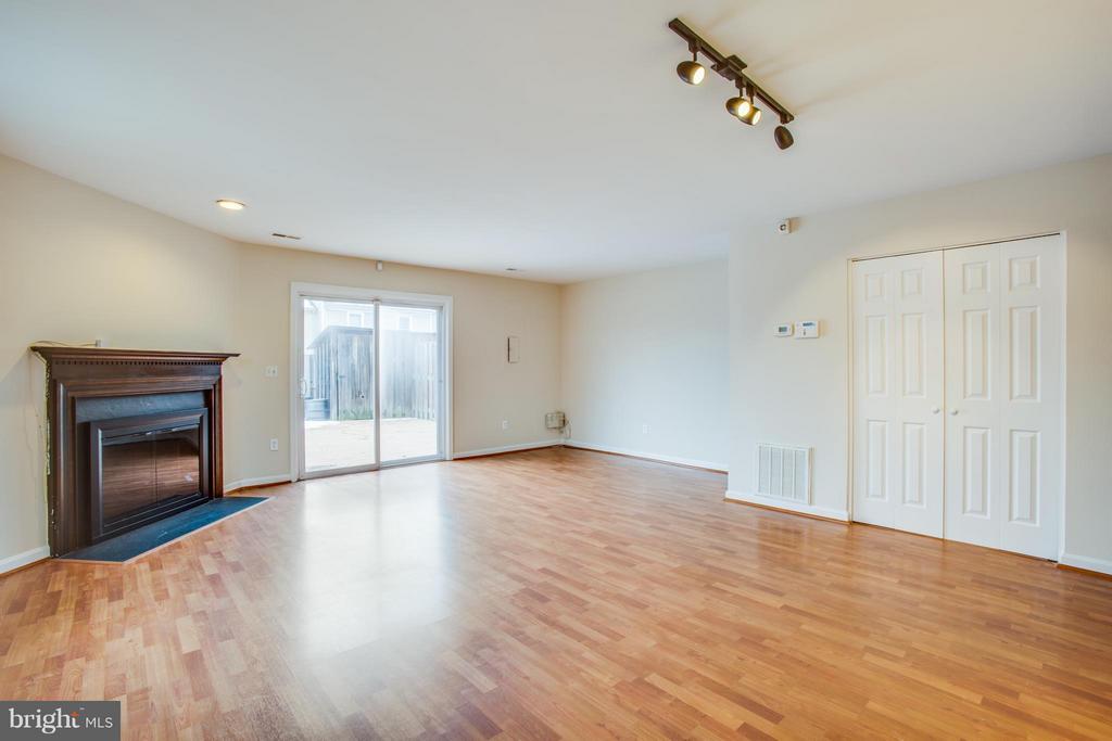Nice storage area off of living room - 10600 GRETA LYNN CT, FREDERICKSBURG