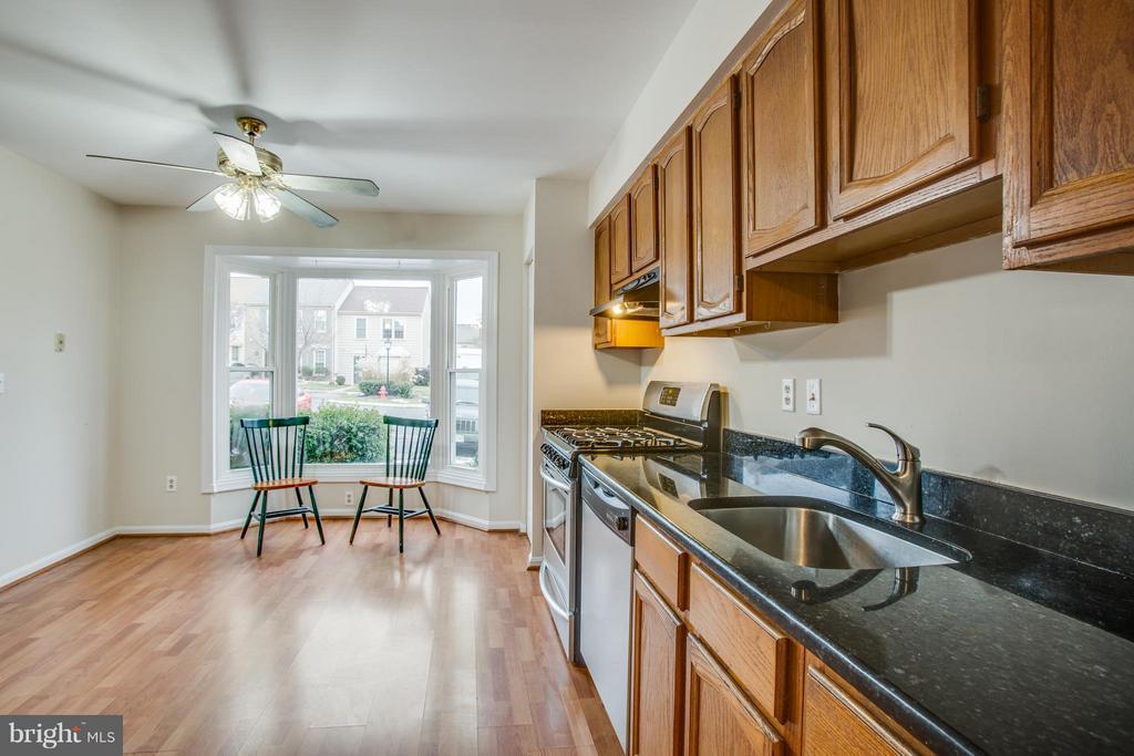 Breakfast area in kitchen - 10600 GRETA LYNN CT, FREDERICKSBURG