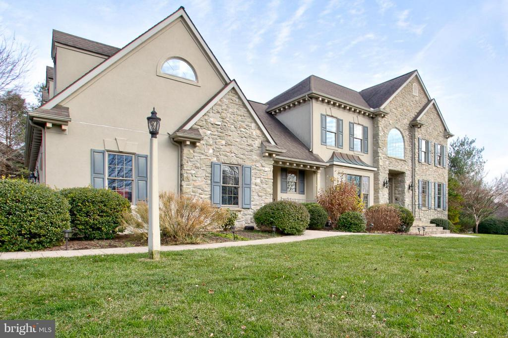 362 N FARM DRIVE, Manheim Township in LANCASTER County, PA 17543 Home for Sale