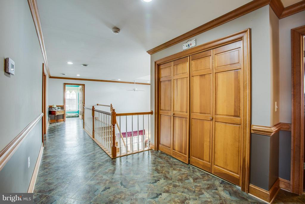Closet to laundry room/ very wide hallway - 7411 SNOW HILL DR, SPOTSYLVANIA