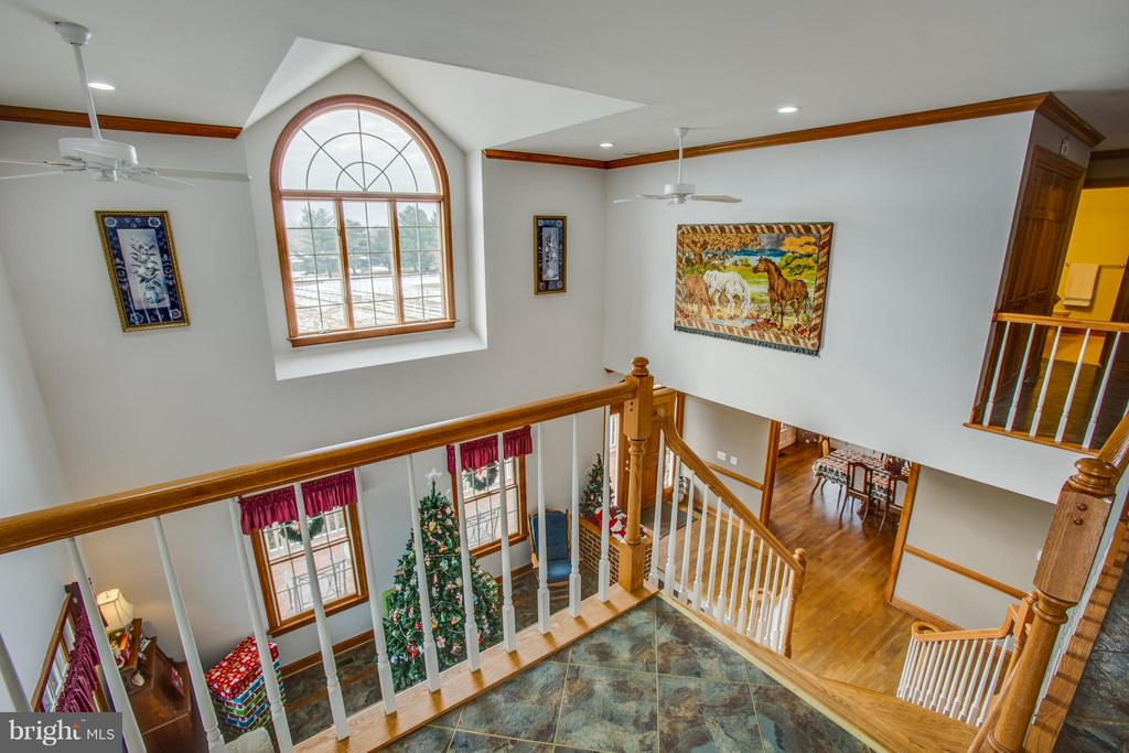 Second level overlooking formal living room - 7411 SNOW HILL DR, SPOTSYLVANIA