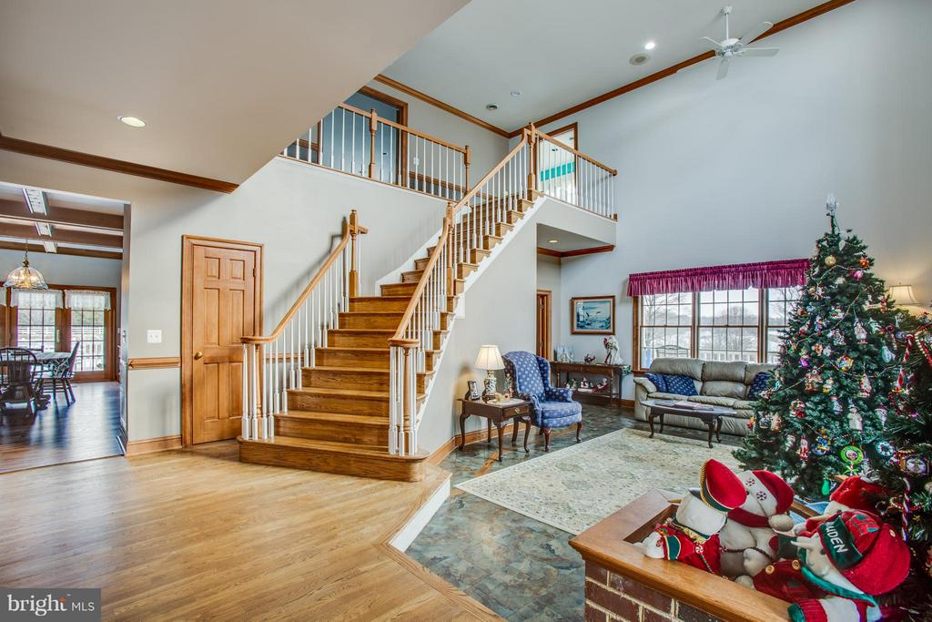 Beautiful staircase from formal living  room - 7411 SNOW HILL DR, SPOTSYLVANIA