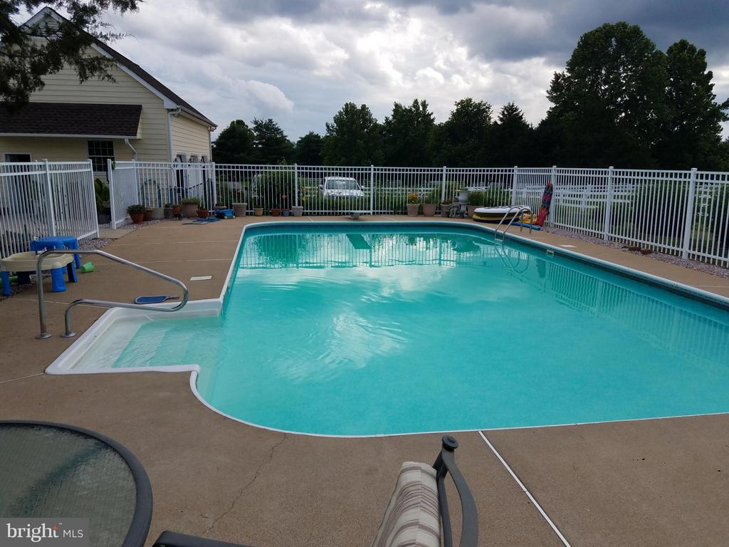 In-ground pool  20 x 40 with huge concrete deck. - 7411 SNOW HILL DR, SPOTSYLVANIA