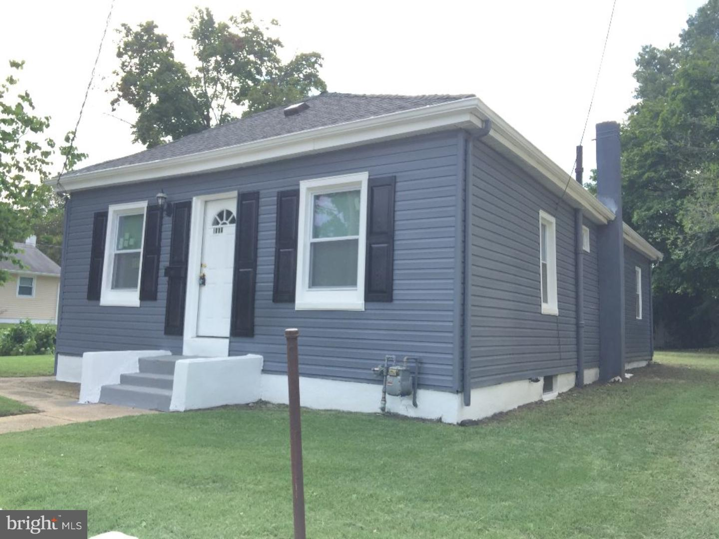 Single Family Home for Sale at 1562 S DELAWARE Street Paulsboro, New Jersey 08066 United States