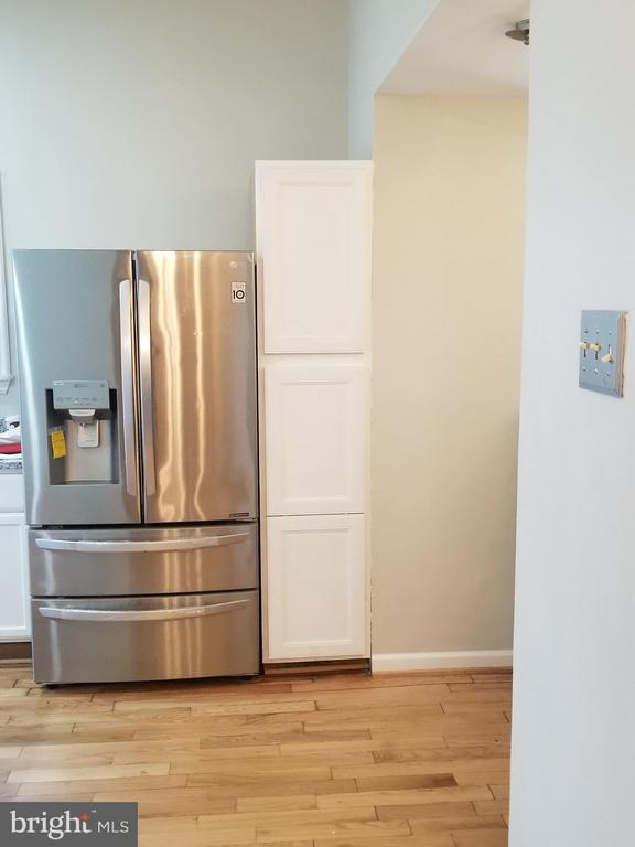 New Stainless Steel Refrigerator, Nice! - 3611 MARTIN LUTHER KING JR AVE SE, WASHINGTON