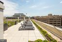 Green roof with chic sun loungers + other seating - 2501 M ST NW #608, WASHINGTON