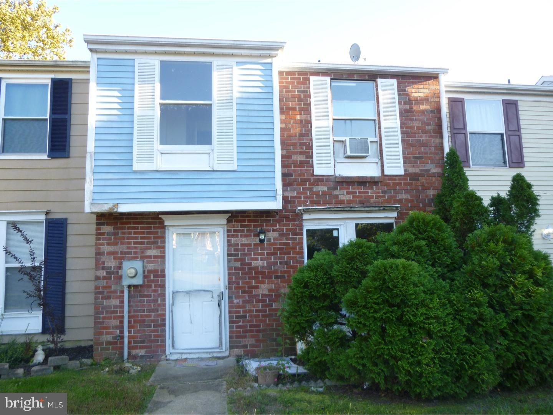 Photo of home for sale at 51 Vanderbilt Court, Sicklerville NJ