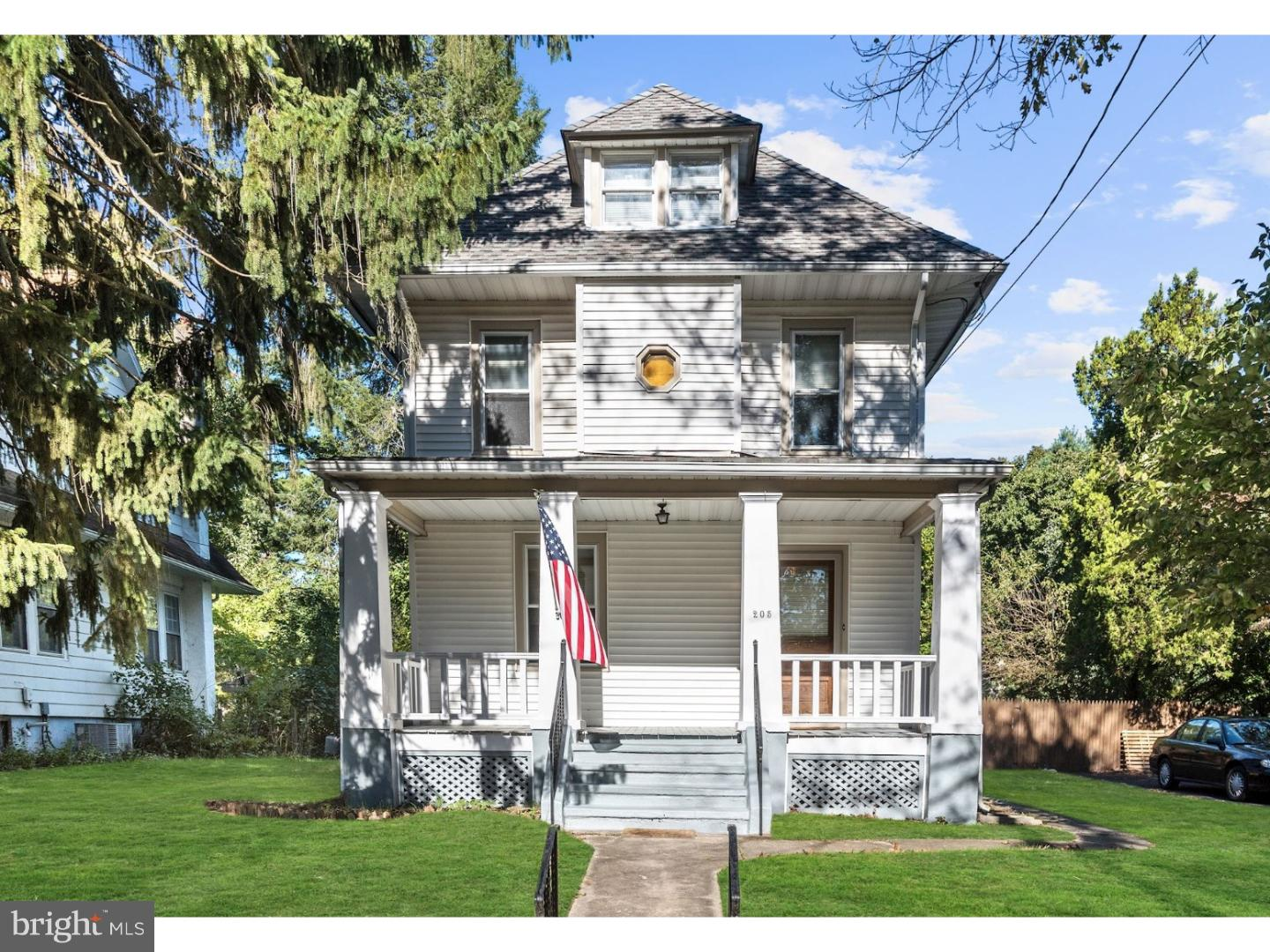 Single Family Home for Sale at 205 UNION Avenue Stratford, New Jersey 08084 United States