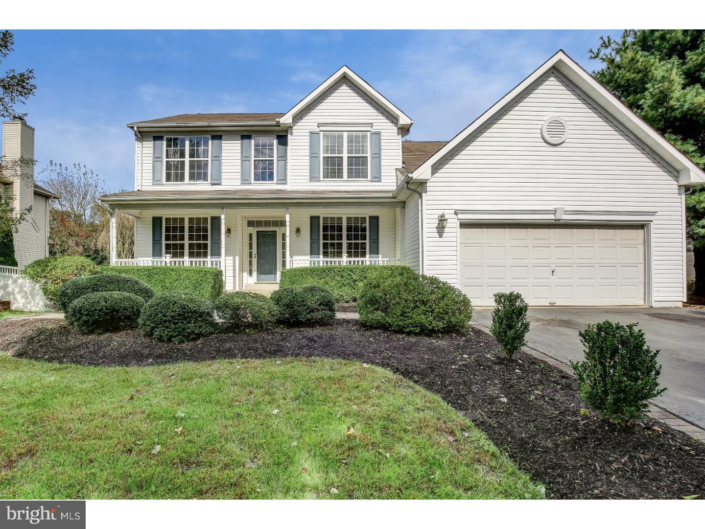 Частный односемейный дом для того Продажа на 4 PEMBERTON Lane East Windsor, Нью-Джерси 08520 Соединенные ШтатыВ/Около: East Windsor Township