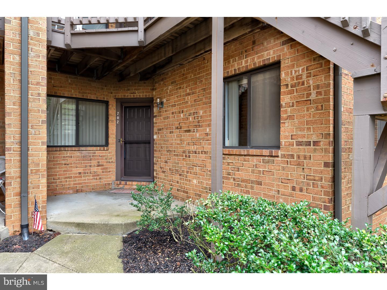 独户住宅 为 销售 在 702 AUGUSTA Circle Mount Laurel, 新泽西州 08054 美国