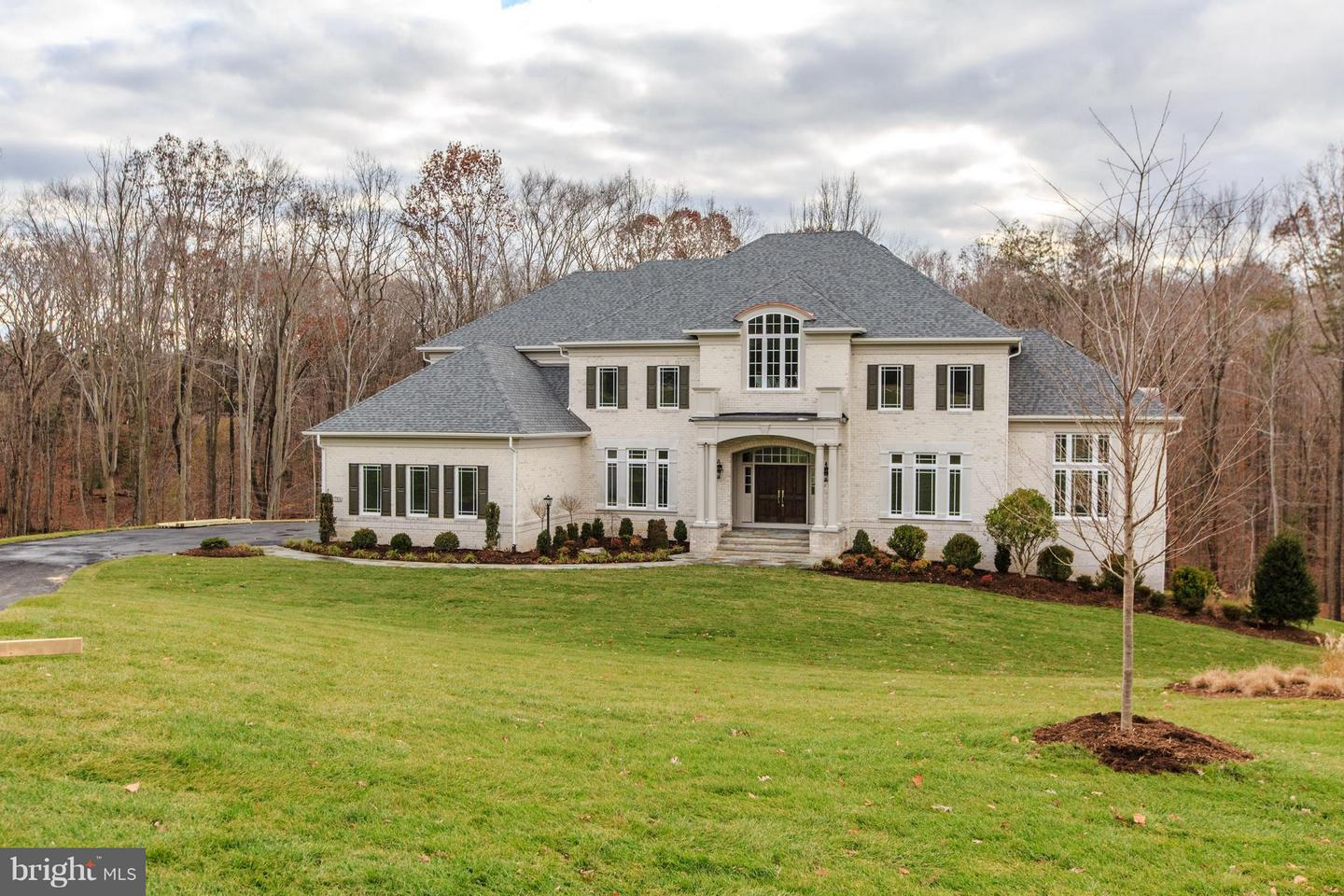 Single Family Home for Sale at 10710 Harley Road 10710 Harley Road Lorton, Virginia 22079 United States