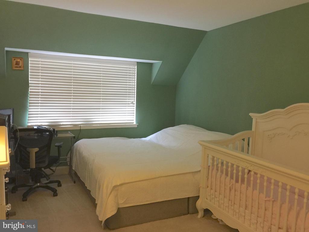 Master Bedroom - 1664 PARKCREST CIR #300, RESTON