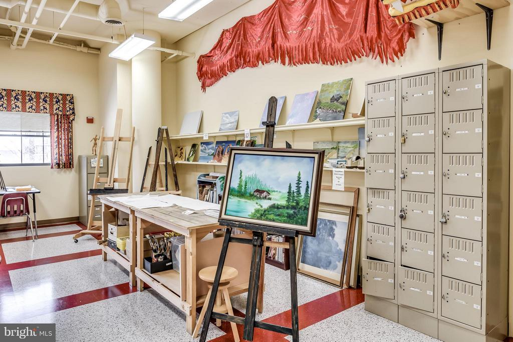 Art Studio in LW Clubhouse - 19385 CYPRESS RIDGE TER #801, LEESBURG